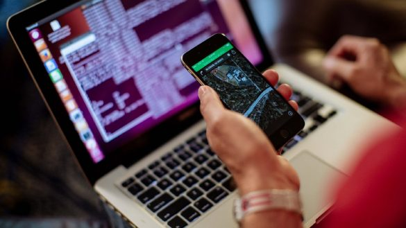 How to hack any mobile phone without the target using Spyine app