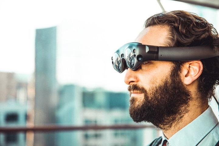 Cutting Edge Virtual Reality (VR)
